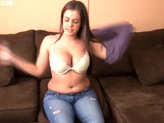 Katie Cummings In Pervert Little Brother Gets A Blowjob!!!!
