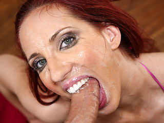 Troated Video: Kelly Divine