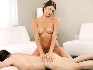 Ex lapdancer Olivia Lua wants massage job