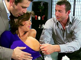 Jordan Ash,Manuel Ferrara and Veronica Avluv are having amazing threesome at the office