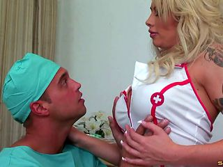 Mature inked nurse Brooke Haven bangs a hung surgeon