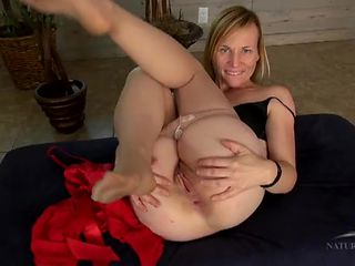 Mommy spreads her pussy lips and asshole open