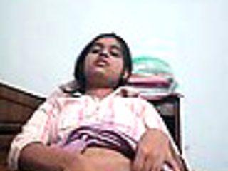 Teen hot virgin Delhi escort girl testing her virginity sex.
