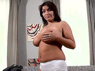 Todays casting brings us a Czech babe by the name of Sophia Moroe, and with the titties shes brin...