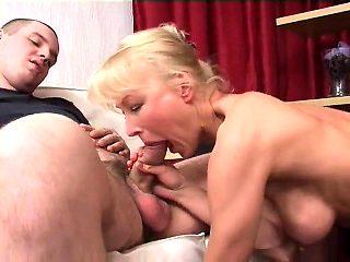 Threesome blowjob anal fisting