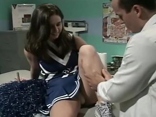 Cheerleader Jessica Screwed By Doctor