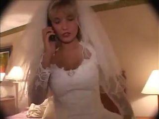 Hotmoza - Black on Bride