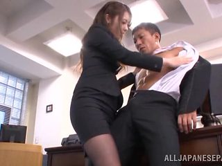 Gorgeous Asian secretary Ayu Sakurai pleases her impressive boss