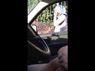 Dick flashing in car 6 - she looks - lul tonen , Dutch, NL