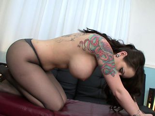 Bodacious beauty in pantyhose Ashton Pierce gently rubs her fiery cunt