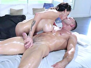 Chick Peta Jensen Enjoys Cock And Jizz Of Masseur