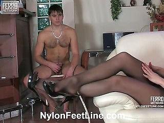 Caroline&Clifford nylon footsex movie