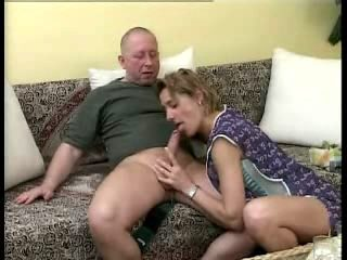 Horny Housewife (german)...F70