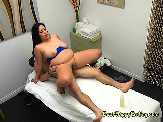 Masseuse Jhenevieve Milks Big Cock Of Client