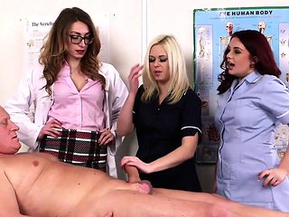 British nurses suck patient subject in group