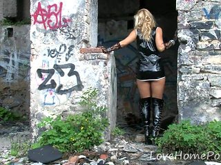 Abandoned places are the best for stripping