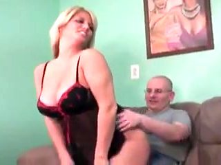 MATURE mother I'd like to fuck & HOUSEWIFE