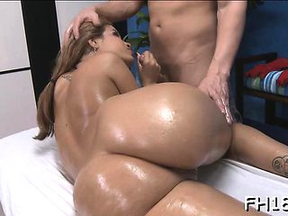 Sweetheart with a bangin body receives screwed hard