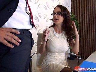 She's a curvy businesswoman and she wants to get screwed in the office