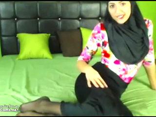 Real Hijab Arab Egypt Masturbates Her Creamy Arabic Pussy