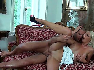 Sex appeal blonde babe gets pussy licked well by hot stud first of all. She gives him great fella...