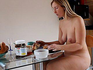 Nudebreakfast