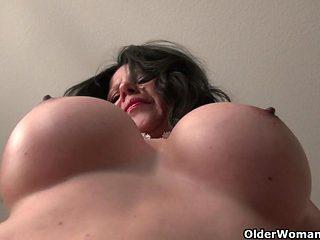 America's sexiest milfs part 2