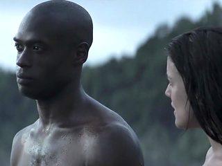 Palmeras en la nieve (2015) Adriana Ugarte
