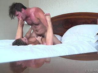 Passionate foreplay and great missionary fucking