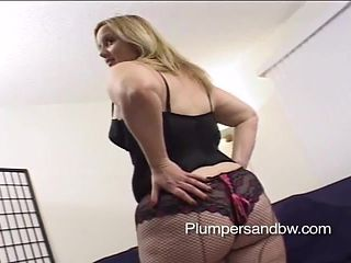 Appealing blonde chubby in mmf being humped as she deepthroats a big black cock