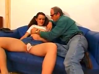 Daddy flirtatious daughter wants a good fucking !