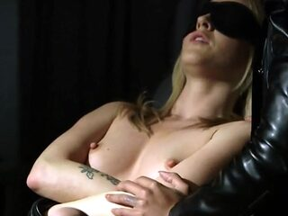 Kinky BDSM games for a woman who likes to play dirty games