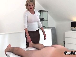 Cheating uk milf gill ellis presents her huge puppies