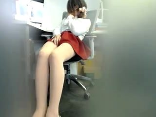 chinese Shemale in Pantyhose Masturbating