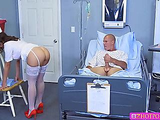 Dark Brown Nurse sucks a patient massive knob and receive fuck up inside