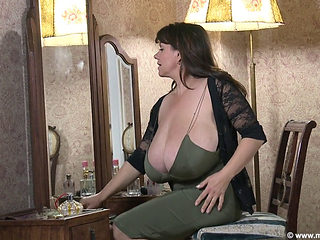 Busty Milf Makes Her Big Boobs Dance
