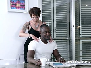 Aged white whore drilled brutally doggy style in interracial scene
