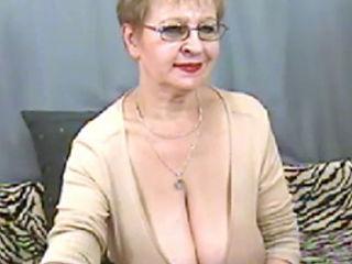 Hot Mature Granny On Cam