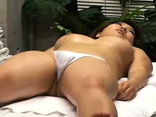 Bodacious Japanese beauty surrenders her marvelous body to