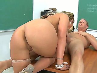 Blond teacher Phoenix Marie goes mad right in the classroom. Her student, Mark Wood, stayed after...