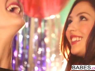 Babes - NEW YEARS PASSION Cassie Laine Logan Drae