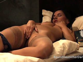 The Dream Of Capture: Erotic Show In Her Mind