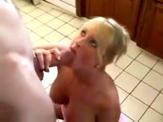 Susie loves gettin  fucked at house parties