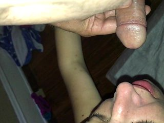 Craigslist Girl 16-1 Piss in her mouth