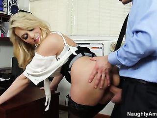 Mia Malkova and hard dicked fuck buddy Bill Bailey do dirty things