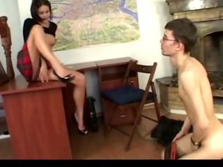 Slave used a stunning mistress