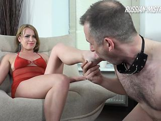 Marvelous foot fetish femdom diva pissing on her guys face
