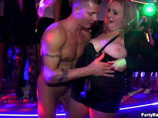 Muscular guys with big dicks got sucked then thrilled sweet babes in a party hardcore.