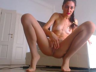 Cam girl squirts through nude pantyhose