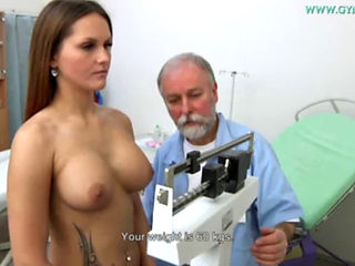 Barbara Bieber Getting Masturbated By Her Gyno Doctor